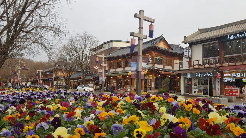 calle-principal-del-hanok-village-en-jeonju